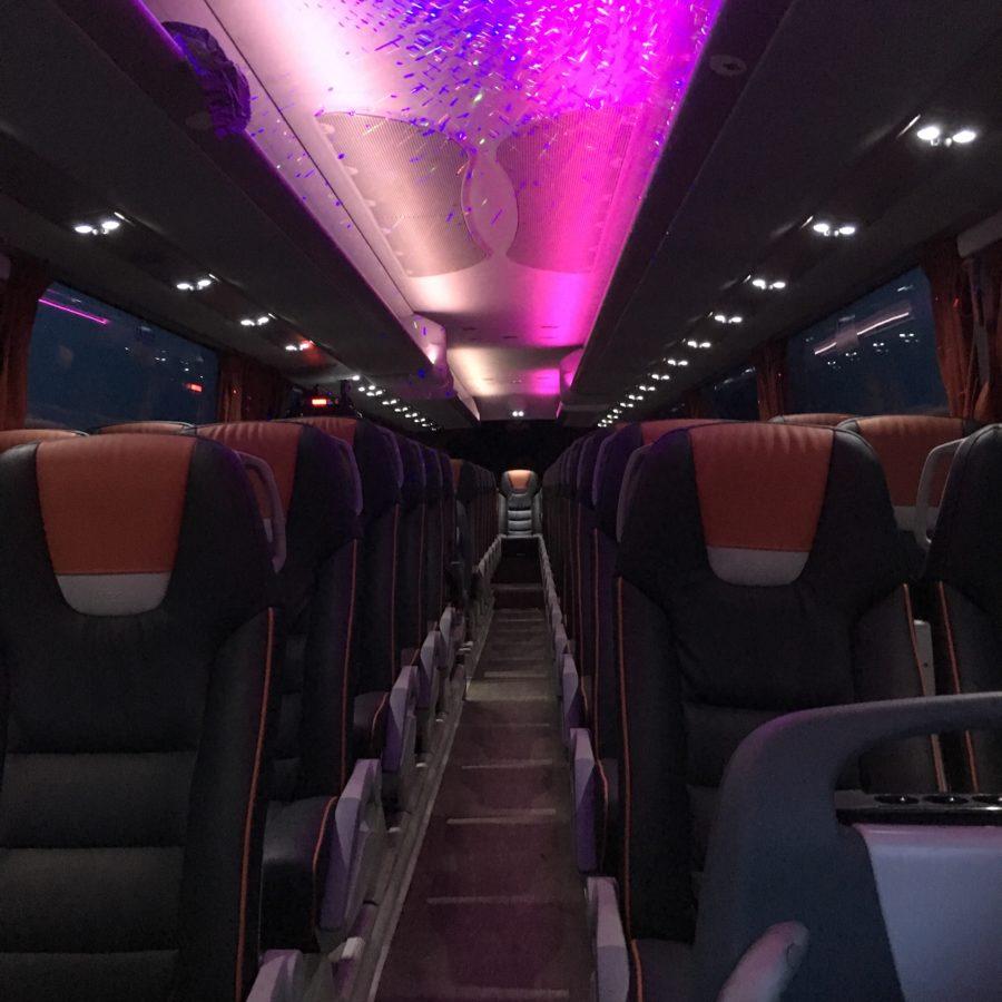 Autocar grand tourisme en configuration discothèque