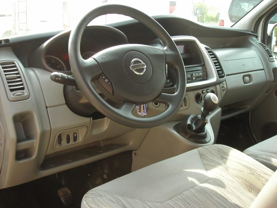 Minibus de 9 sièges (Nissan Primastar)