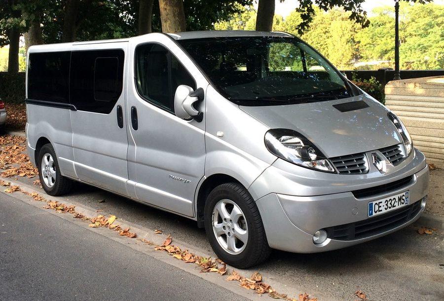 Minibus de 9 sièges (Renault Trafic Passenger)