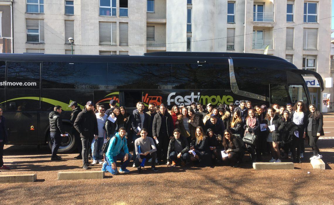 Voyage religieux de jeunes adultes à Troyes