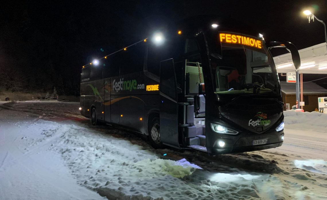 Autocar pour les sports d'hiver